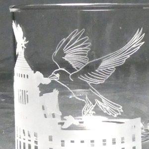 八咫烏の来襲 サンドブラスト ガラス彫刻
