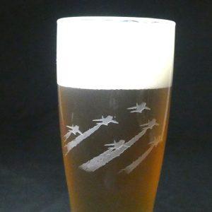 ブルーインパルス ビールグラス サンドブラスト ガラス彫刻